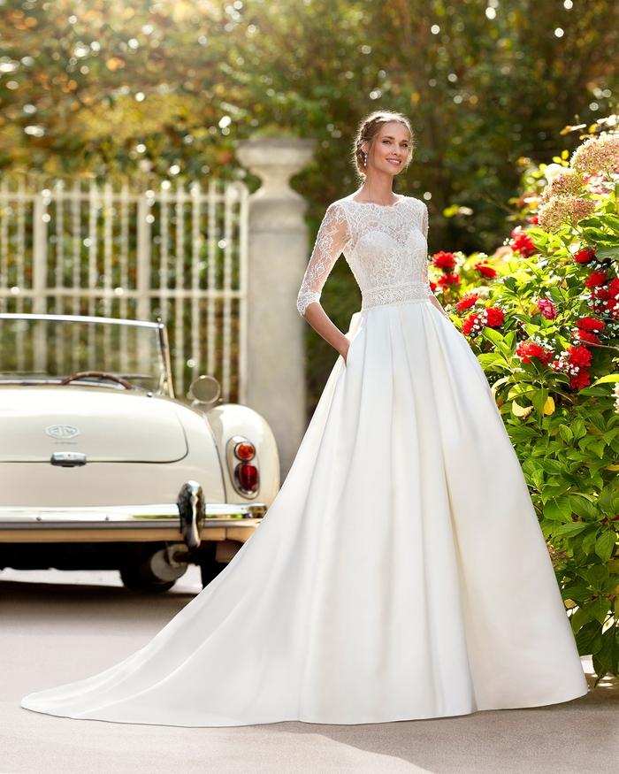 Sang trọng với váy cưới tối giản - Ảnh 3.
