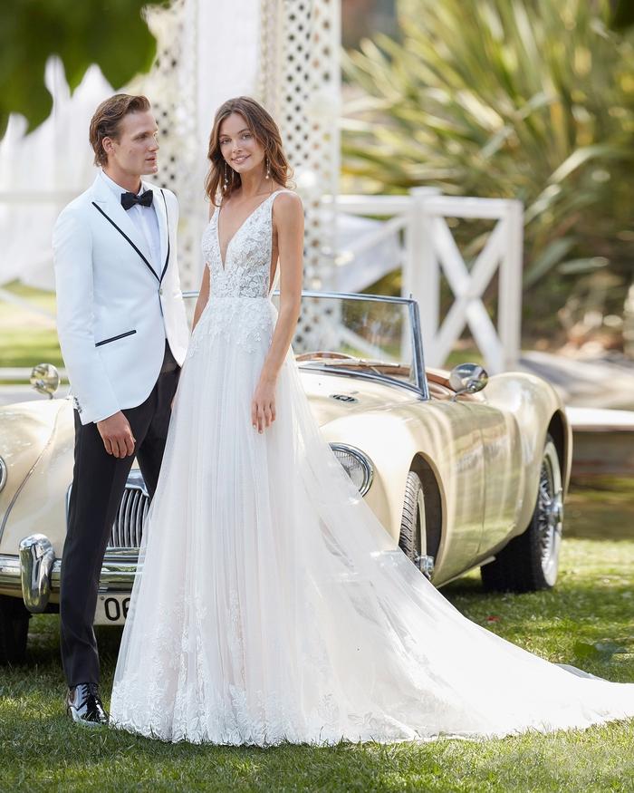 Sang trọng với váy cưới tối giản - Ảnh 4.