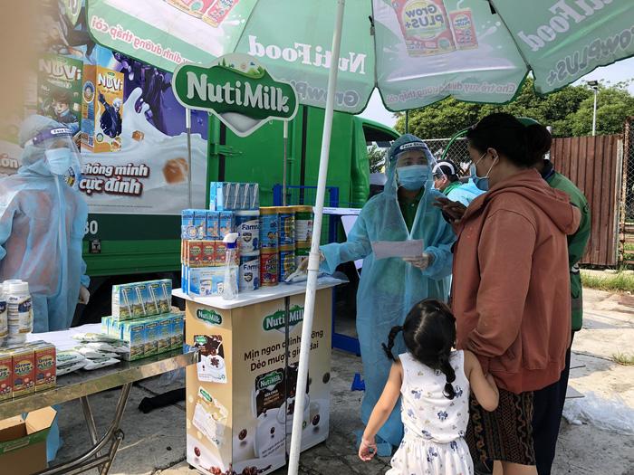 Nutifood giảm sâu giá sữa hỗ trợ người tiêu dùng mùa dịch - Ảnh 3.