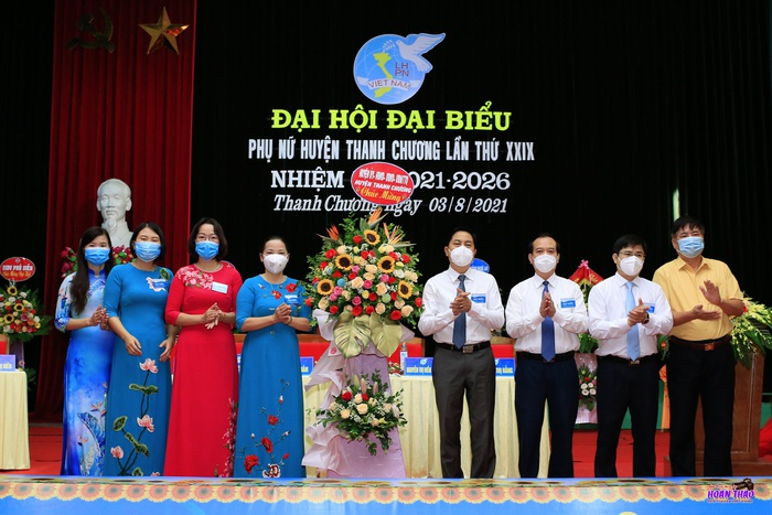 Phụ nữ Thanh Chương góp phần đưa địa phương trở thành huyện khá của tỉnh Nghệ An - Ảnh 6.