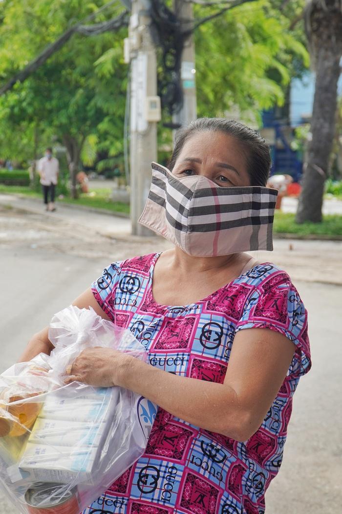 TPHCM tiếp nhận  5.000 túi an sinh từ tỉnh Bình Phước - Ảnh 2.
