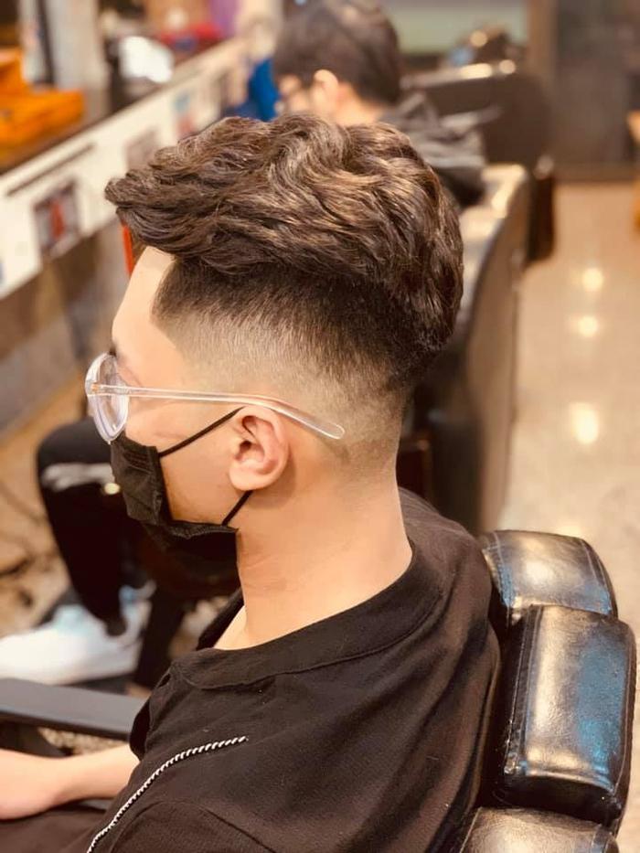 Hà Tĩnh: Mở cửa trở lại dịch vụ cắt tóc, gội đầu, spa - Ảnh 1.