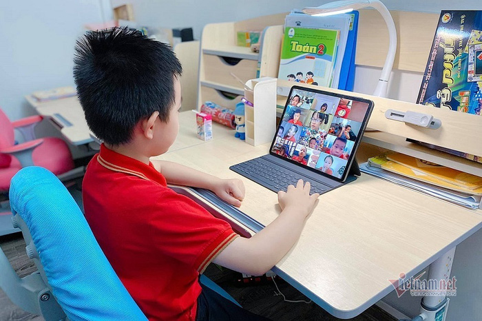 """Chương trình """"Sóng và máy tính cho em"""" dự kiến hỗ trợ gần 1 triệu máy tính bảng cho học sinh - Ảnh 1."""