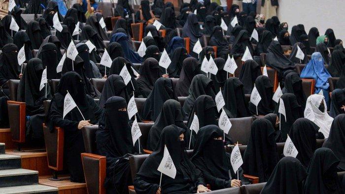 Taliban chính thức công bố quy định về giáo dục: Nam nữ phải học tách biệt - Ảnh 2.