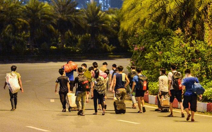 Hà Nội: Không để lao động ngoại tỉnh đi bộ về quê, lên phương án phục hồi sản xuất sau giãn cách