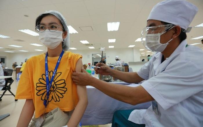 Tiêm đủ 2 mũi vaccine ngừa Covid-19 có được về quê không?