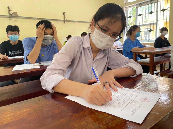 Hà Tĩnh: Đón học sinh trở lại trường sau thời gian học trực tuyến - Ảnh 2.
