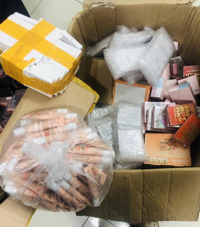 Thừa Thiên - Huế: Phát hiện hơn 2000 sản phẩm mỹ phẩm nhập lậu - Ảnh 2.