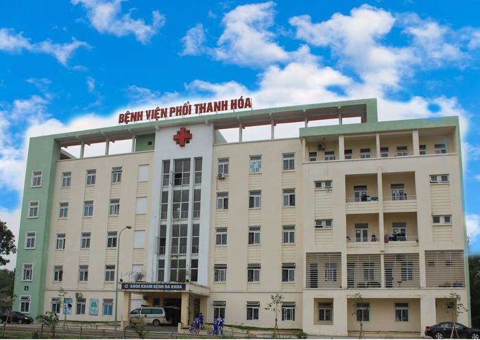 Phong tỏa Bệnh viện điều trị Covid-19 số 1 Thanh Hóa do có nhiều nhân viên y tế nhiễm COVID-19 - Ảnh 1.