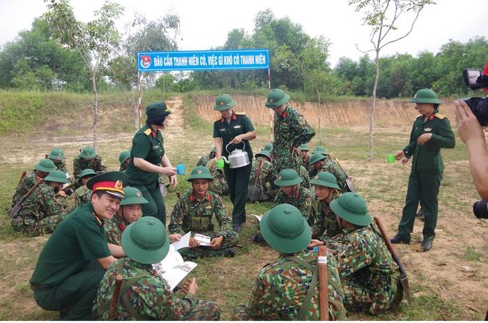 Phụ nữ Quân khu 4 tự lực, tự cường, phát huy sáng tạo, hoàn thành tốt nhiệm vụ được giao - Ảnh 2.