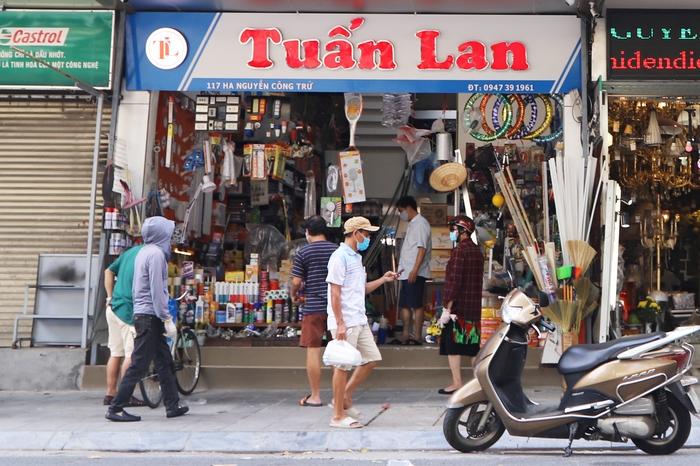 """Chủ quán phở ở Hà Nội: """"Nhìn về tương lai mà thấy như sông rộng đường dài"""" - Ảnh 1."""