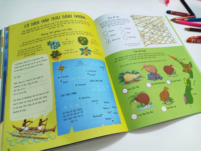 """Sách """"Trò chơi phát triển tư duy – Bản đồ bí ẩn"""" có hình ảnh minh họa ngộ nghĩnh, nhiều màu sắc"""