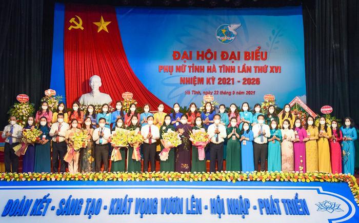Hà Tĩnh khai mạc Đại hội đại biểu Phụ nữ tỉnh lần thứ XVI - Ảnh 6.
