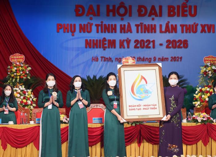 Hà Tĩnh khai mạc Đại hội đại biểu Phụ nữ tỉnh lần thứ XVI - Ảnh 4.