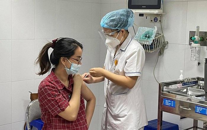 Bộ Y tế yêu cầu nhanh chóng tiêm vaccine ngừa Covid-19 cho phụ nữ mang thai