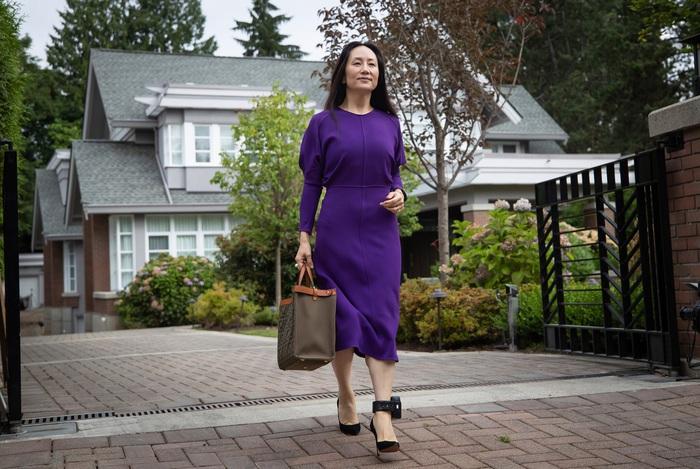 Công chúa Huawei Mạnh Vãn Châu được thả trở về Trung Quốc