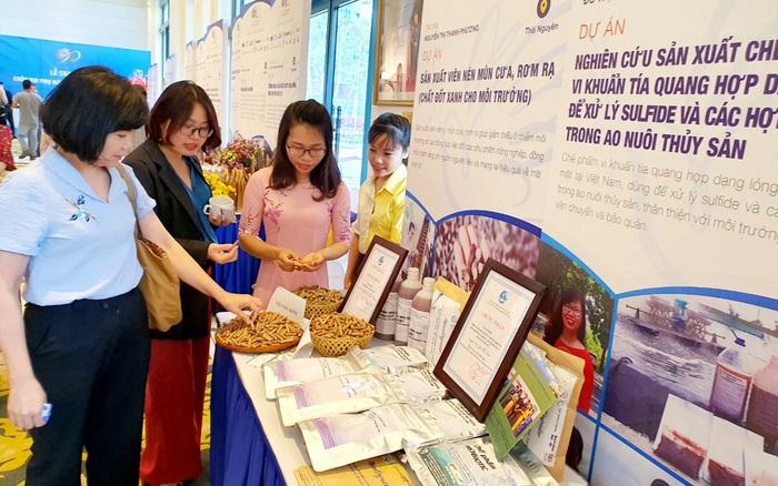 Cán bộ Hội LHPN 3 miền tham gia tập huấn nâng cao năng lực về hỗ trợ phụ nữ khởi nghiệp