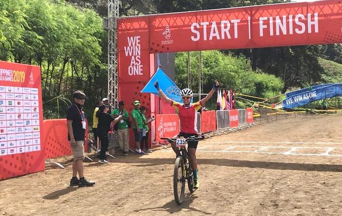 Nữ VĐV Xe đạp giành Huy chương Vàng đầu tiên cho Việt Nam ở SEA Games 30 - Ảnh 1.