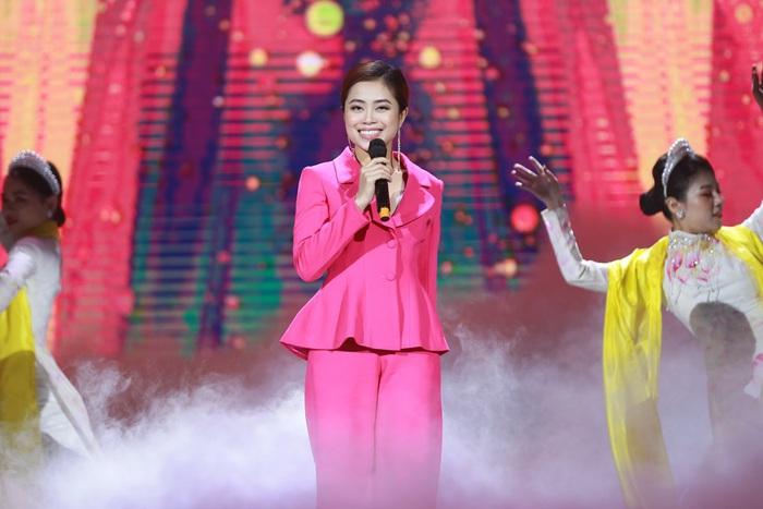 Nữ sinh 19 tuổi đăng quang Người đẹp xứ Mường 2019 - Ảnh 6.