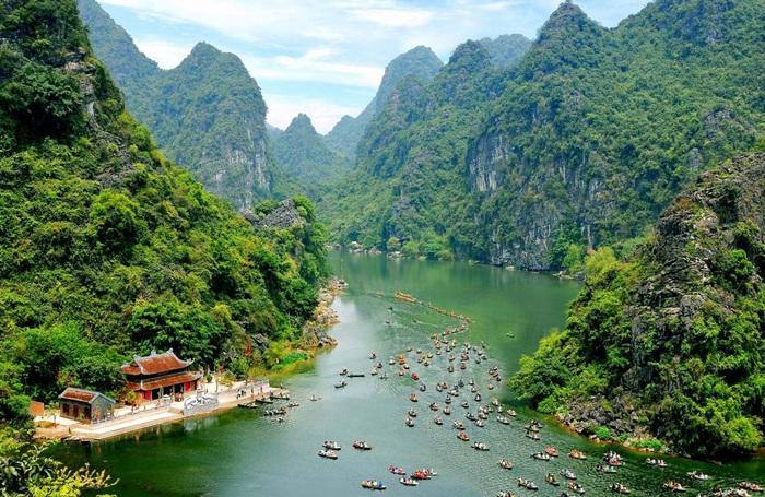 """Hơn 100 hoạt động đặc sắc diễn ra trong Năm Du lịch Quốc gia 2020 """"Hoa Lư – Cố đô ngàn năm"""" - Ảnh 2."""