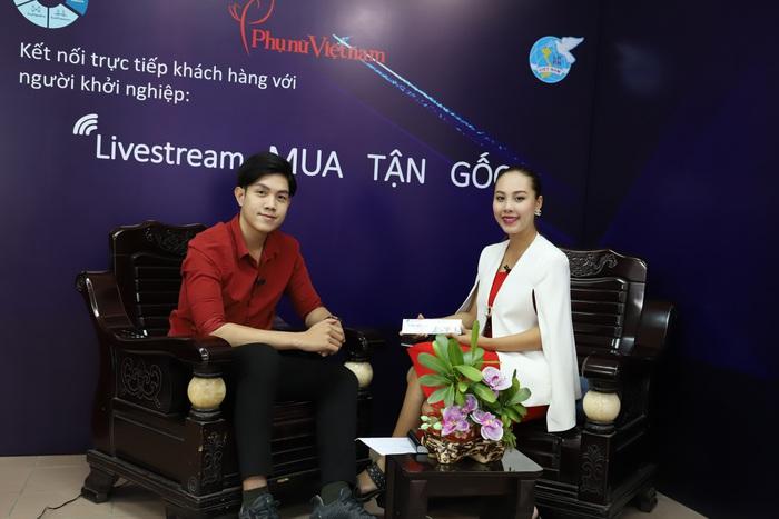 Mua tận gốc số 8: Mc Phương Thảo tặng thêm 5 voucher nhân sự kiện bóng đá Việt Nam vô địch Sea Games 30 - Ảnh 1.