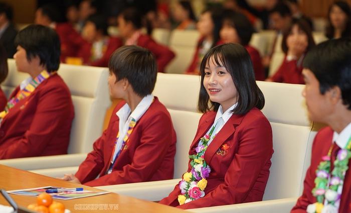 Thủ tướng gặp mặt đội tuyển bóng đá nữ, nam: Chiến thắng của bản lĩnh, khát vọng Việt Nam - Ảnh 3.