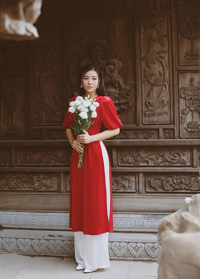 Diễn viên Thanh Hương dịu dàng với áo dài nhung  - Ảnh 13.