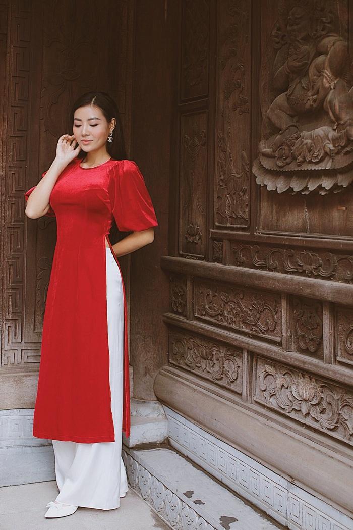 Diễn viên Thanh Hương dịu dàng với áo dài nhung  - Ảnh 9.