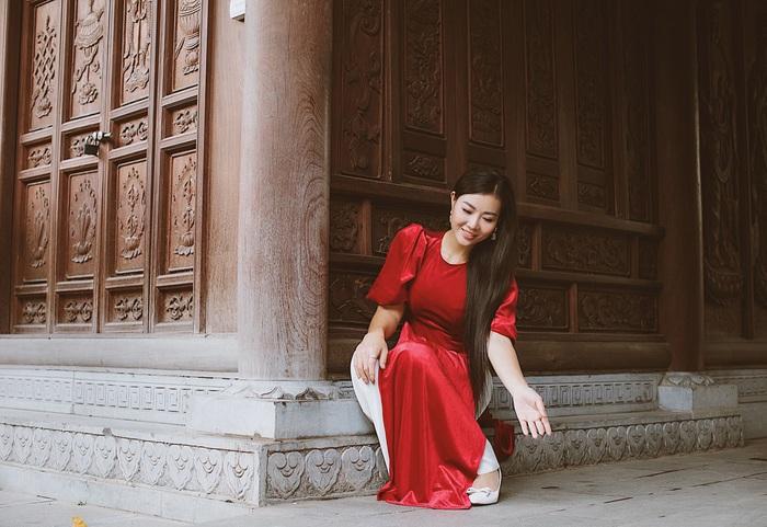 Diễn viên Thanh Hương dịu dàng với áo dài nhung  - Ảnh 8.