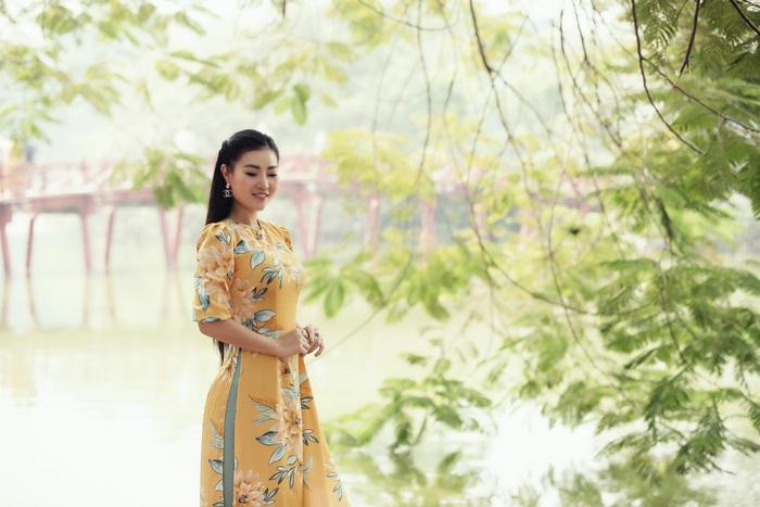 Diễn viên Thanh Hương dịu dàng với áo dài nhung  - Ảnh 4.