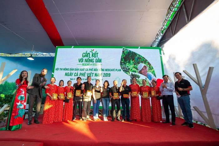 Gắn kết với người nông dân nâng cao chất lượng cà phê Việt Nam - Ảnh 1.