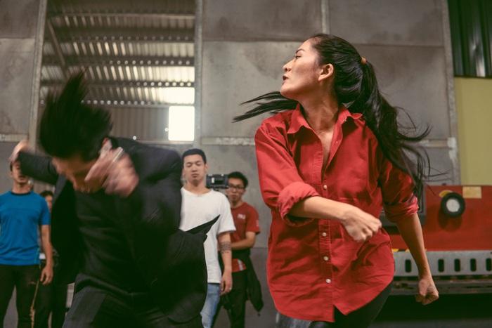 Minh Cúc lần đầu đóng chính diện với vai nữ cảnh sát Liên