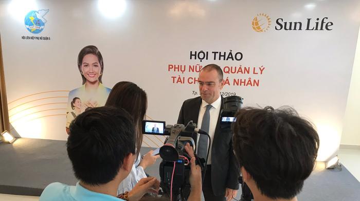"""Hoa hậu H'Hen Niê đồng hành cùng """"Phụ nữ với quản lý tài chính cá nhân""""  - Ảnh 2."""