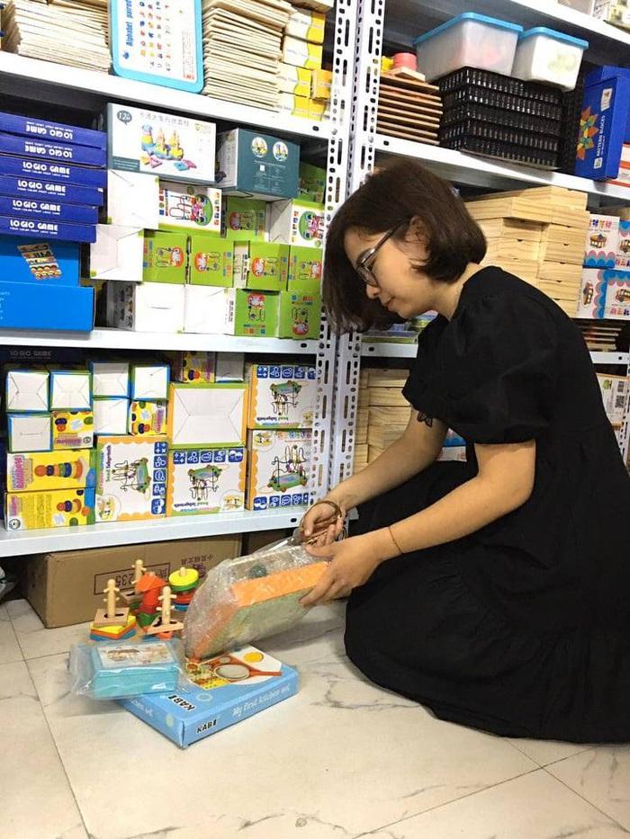 Lan Anh say mê với các món đồ chơi giáo dục cho trẻ em và quyết định khởi nghiệp từ đây.