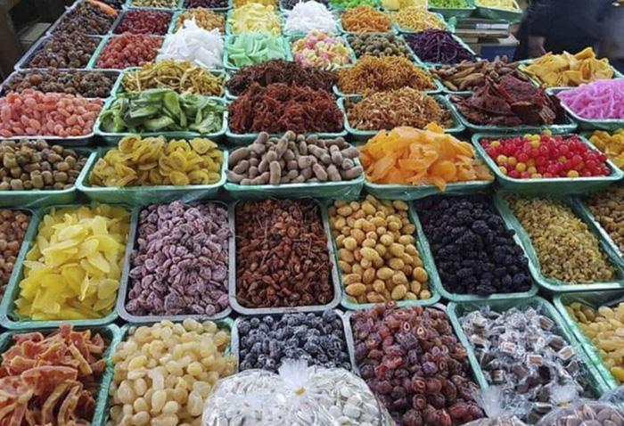 Thực phẩm ba không bủa vây chợ Tết