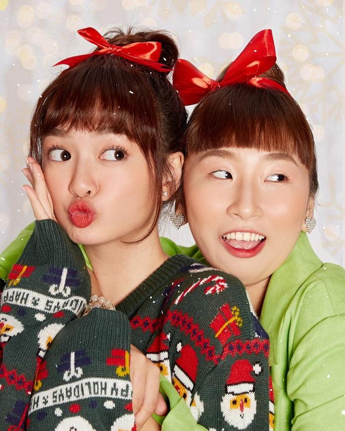 """Kaity Nguyễn cùng """"hội chị em"""" tụ họp dịp cuối năm, thực hiện bộ ảnh """"xịn xò"""" để mừng lễ giáng sinh  - Ảnh 3."""