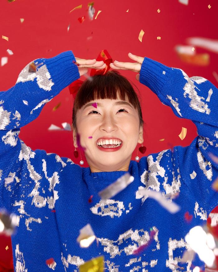 """Kaity Nguyễn cùng """"hội chị em"""" tụ họp dịp cuối năm, thực hiện bộ ảnh """"xịn xò"""" để mừng lễ giáng sinh  - Ảnh 5."""