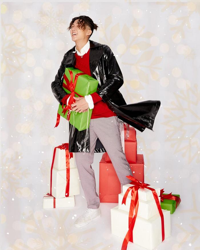"""Kaity Nguyễn cùng """"hội chị em"""" tụ họp dịp cuối năm, thực hiện bộ ảnh """"xịn xò"""" để mừng lễ giáng sinh  - Ảnh 8."""