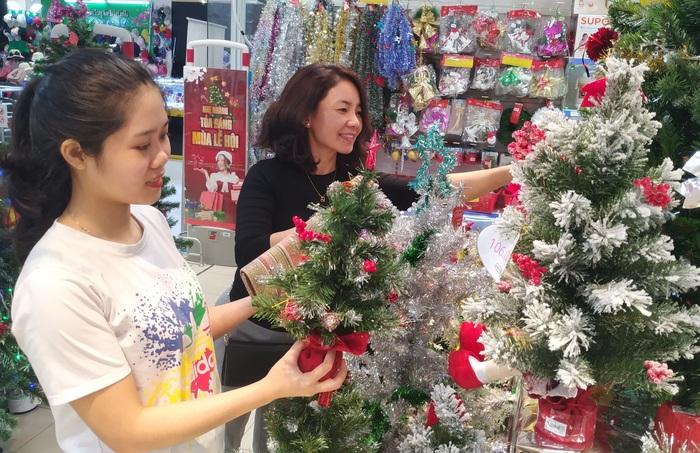 Trung tâm thương mại, siêu thị ngập tràn ưu đãi dịp Giáng sinh