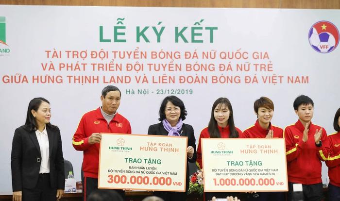 Hưng Thịnh Land tài trợ 100 tỷ đồng phát triển bóng đá nữ Việt Nam hướng đến World Cup - Ảnh 2.