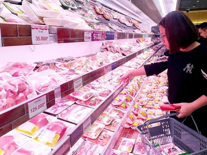Theo Thủ tướng Nguyễn Xuân Phúc: Thịt lợn vẫn đủ cung ứng cho thị trường trong nước