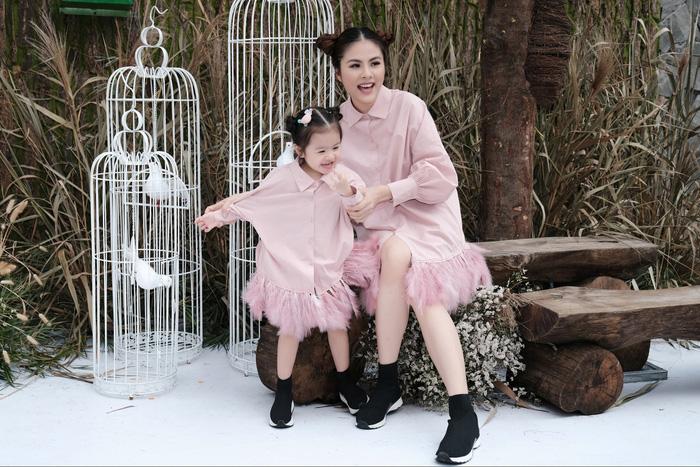 Vân Trang cùng con gái - Bé Queenie