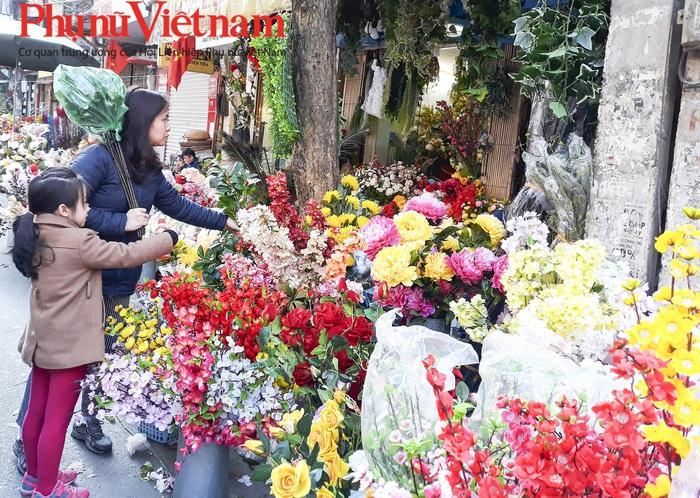51 điểm chợ hoa xuân là dịp người tiêu dùng tham quan, mua sắm các sản phẩm Tết