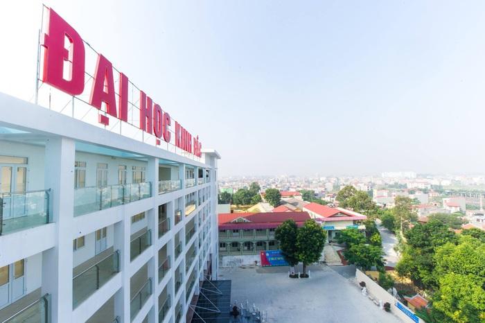 Khởi tố, bắt tạm giam Hiệu phó Trường Đại học Kinh Bắc - Ảnh 1.