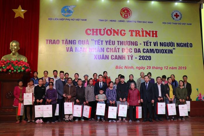 """Phó Thủ tướng Vũ Đức Đam dự, trao quà """"Tết vì người nghèo và nạn nhân chất độc da cam"""" Xuân Canh Tý - 2020 tại Bắc Ninh - Ảnh 2."""