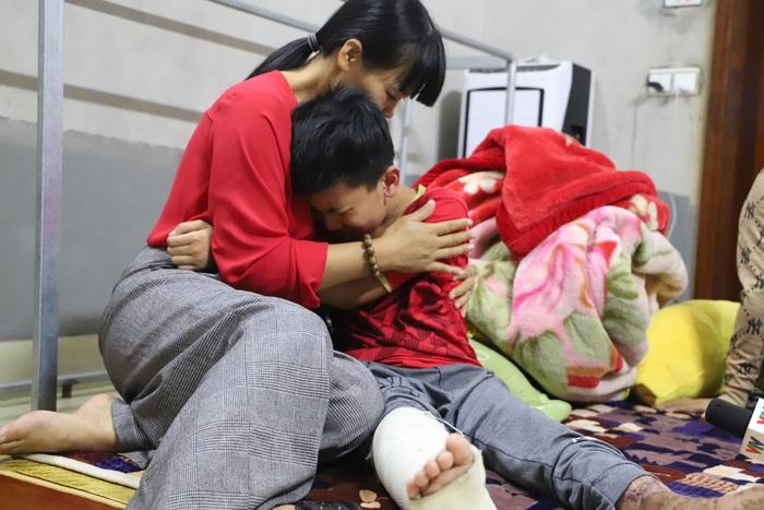 Cậu bé khép lại giấc mơ sân cỏ vì đôi chân khuyết tật sau lần tai nạn giao thông - Ảnh 3.