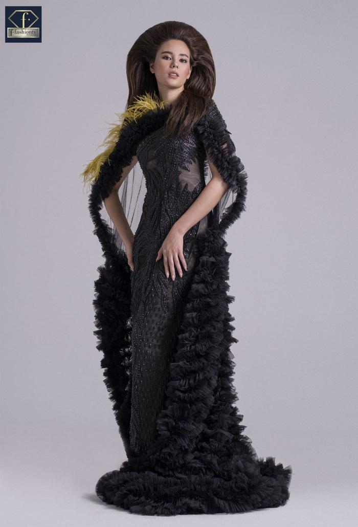 Hoa hậu Hoàn vũ 2018 Catriona Gray đầy quyền lực với trang phục của NTK Việt - Ảnh 1.