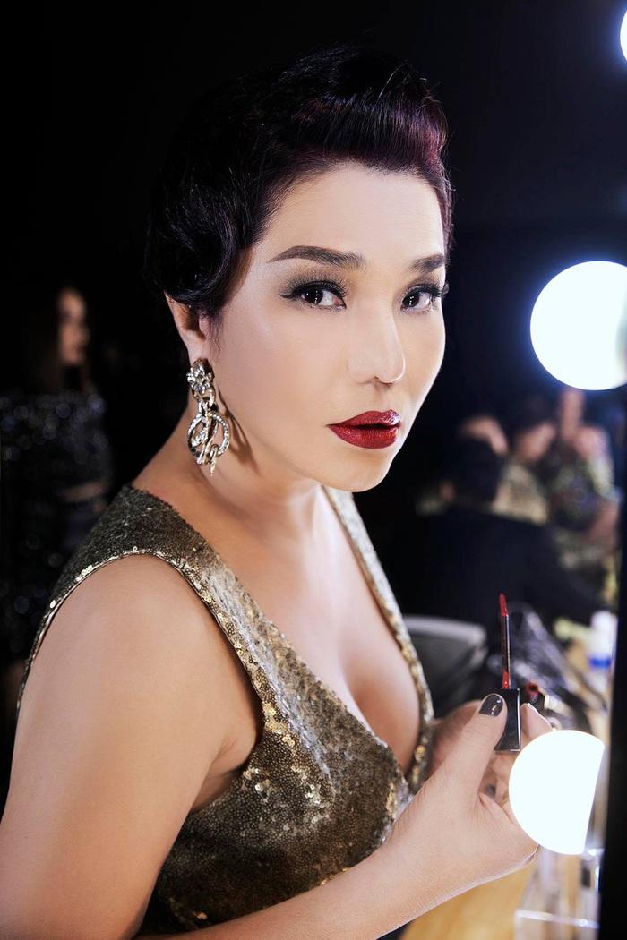 Cindy Thái Tài, Hà Anh, Hồng Nguyễn tái hiện hình ảnh siêu sao thập niên cũ - Ảnh 5.