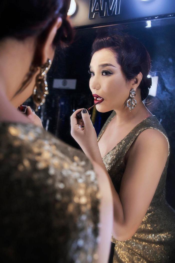 Cindy Thái Tài, Hà Anh, Hồng Nguyễn tái hiện hình ảnh siêu sao thập niên cũ - Ảnh 3.