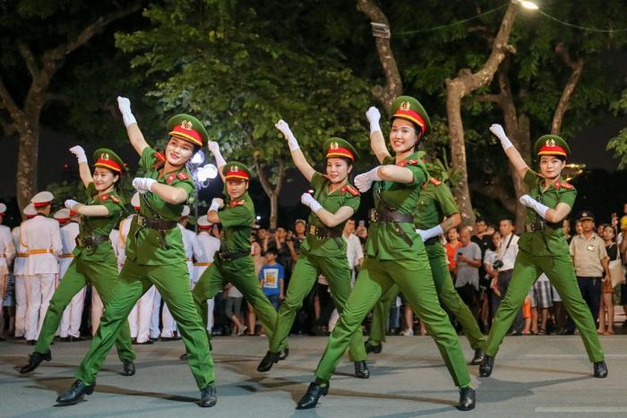 Đoàn nghi lễ Công an nhân dân biểu diễn tại Ngày hội Mottainai 2019 - Ảnh 3.